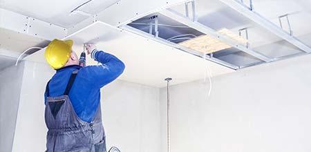 vals plafond aanbrengen
